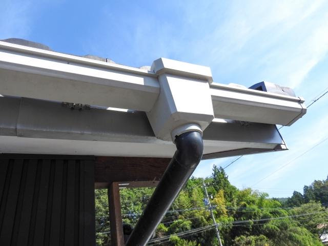 雨樋の修理に保険が効く